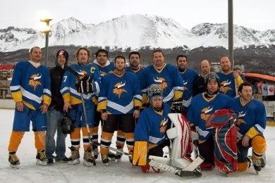 Los Nórdicos de Punta Arenas, el primer club chileno de hockey sobre hielo.