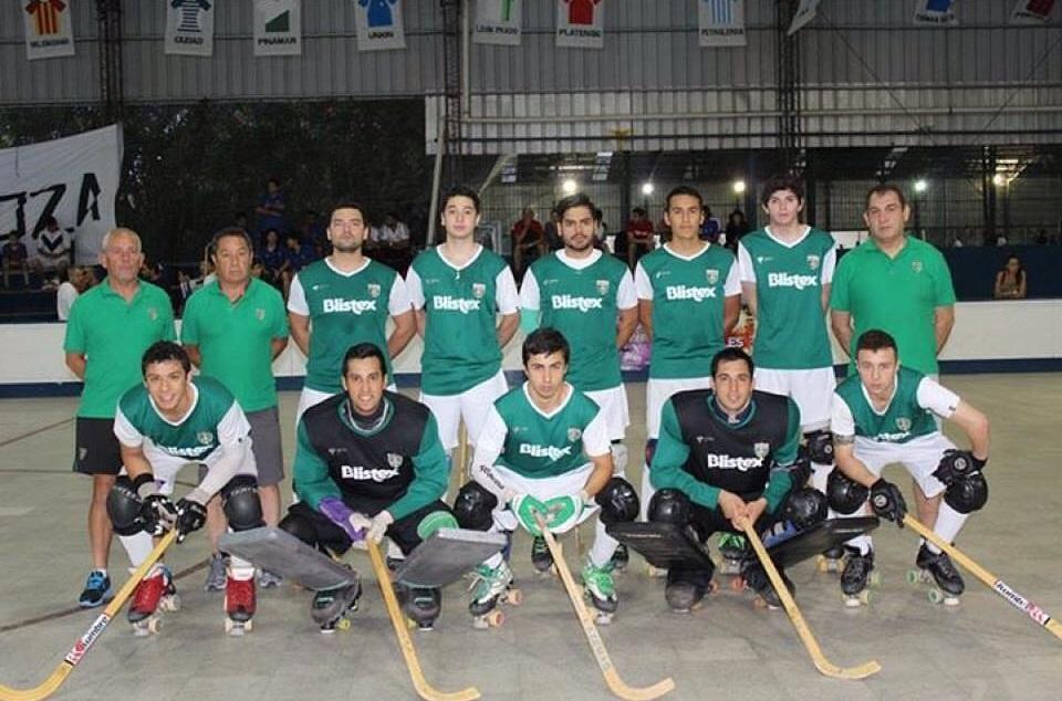 Plantel de León Prado en el Sudamericano de Clubes Campeones en Buenos Aires.
