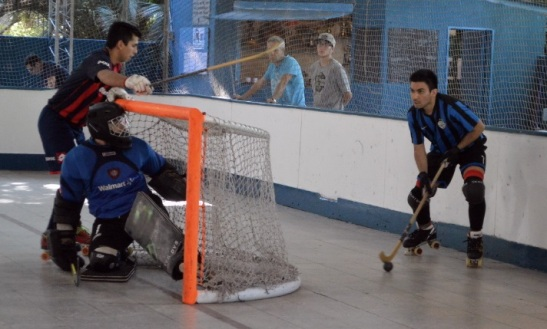 Nico Flores en acción ante San Lorenzo. (Crédito foto: diarioestadio.com.ar)