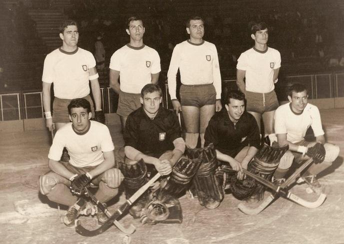 José vaz Guedes, en el extremo izquierdo, con la jineta de capitán. A su lado, Adriao. Y al extremo derecho, Livramento.