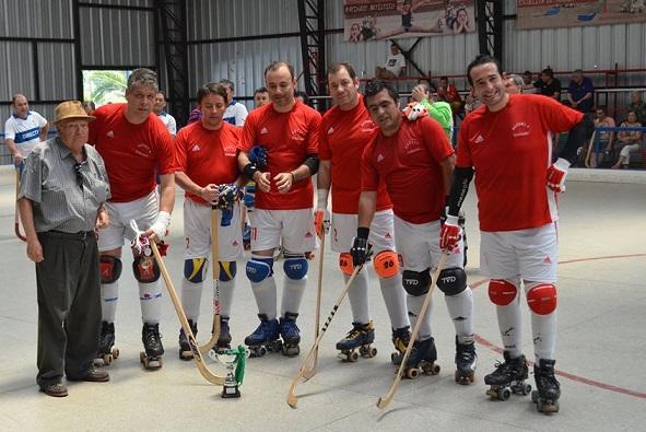 Las camisetas rojas de O' Higgins ahora serán reemplazadas por las azules de Universidad de Chile.