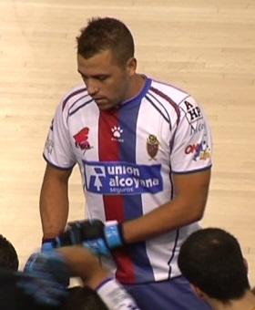 Marc Figa sigue en carrera con su equipo, el Alcoy.