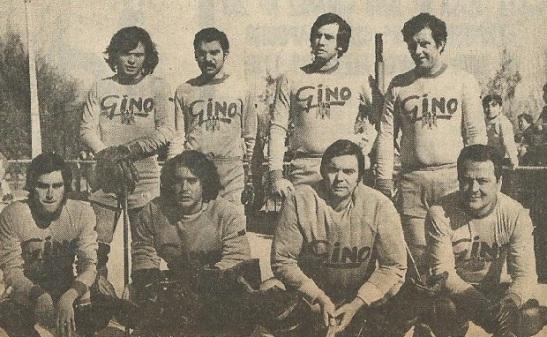 En Unión Española (abajo, al extremo derecho) cosechó triunfos a nivel internacional.