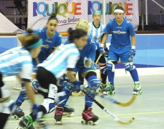 Velocidad fue lo predominante en el choque entre argentinas e italianas. (crédito foto: Sergio Contreras S.)