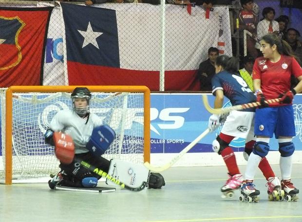 Francisca Donoso, además de sus dos goles, tuvo un par más de ocasiones en el segundo tiempo. (crédito foto: Sergio Contreras S.)