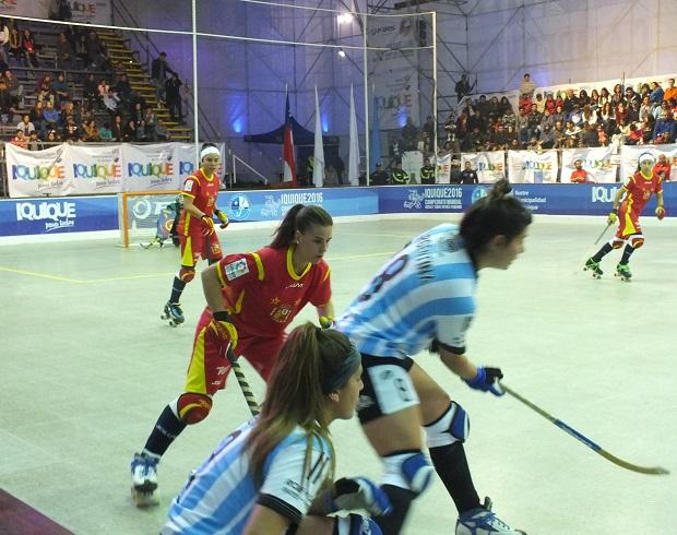 Intensidad y velocidad. los sustantivos que protagonizaron España y Argentina en Iquique. (crédito foto: Sergio Contreras S.)