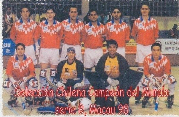 El punto más alto de la carrera de Giulio Magnolfi (tercero, de izq a der, arriba) en la Selección Nacional fue el título en el Mundial de Macao 1998.