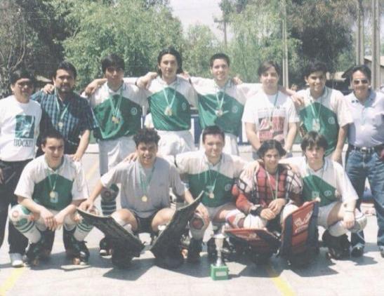 León Prado, campeón metropolitano 1995. Fue la consolidación de la marcación personal en nuestro país.